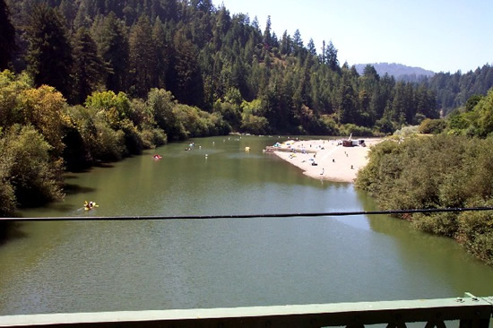 DOWNSTREAM PHOTOGRAPH - RUSSIAN RIVER - GUERNEVILLE (GUEC1)